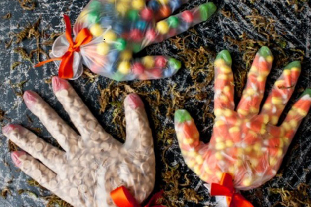 manos de chuches halloween