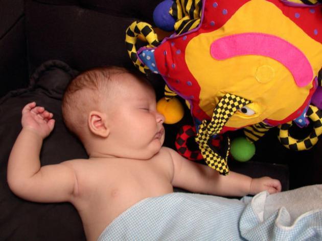 el frenillo en el bebé
