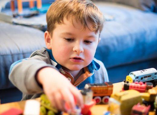 Cómo escoger la niñera adecuada: 5 requisitos imprescindibles