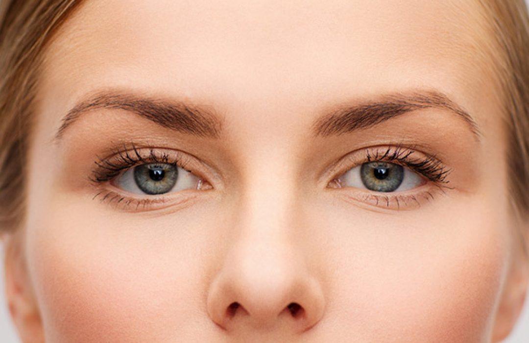 Cómo evitar la alopecia estacional en cejas y pestañas