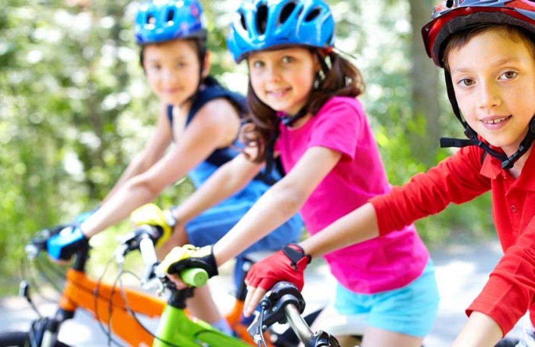 Cómo enseñar a un niño a montar en bicicleta