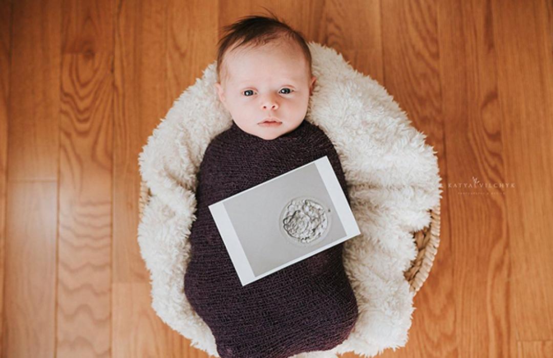 Nace una niña de un embrión congelado hace 13 años