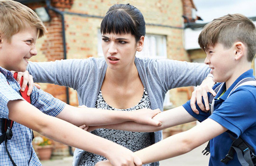 Conflictos con sus amigos: ¿cómo y cuándo intervenir?