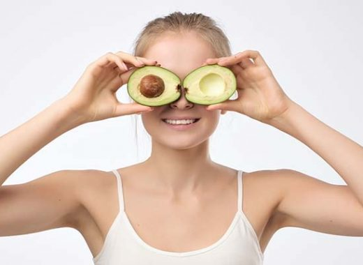 beneficios aguacate mujer
