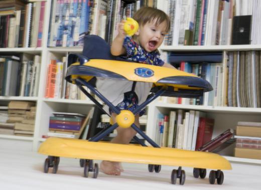 Por qué no comprar un andador para tu bebé
