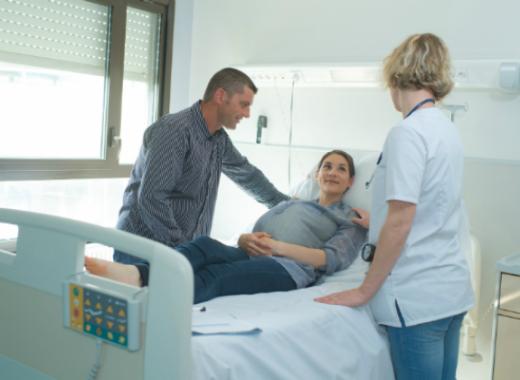 dar a luz en hospital publico o privado