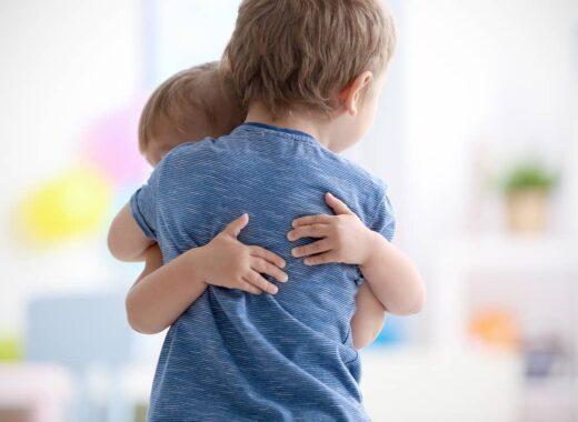 como gestionar las peleas entre hermanos