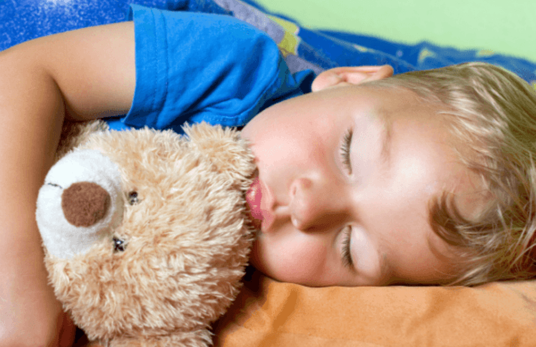 Por que suda mi hijo mientras duerme