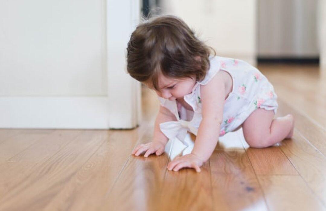 movimiento libre primeros pasos del bebé