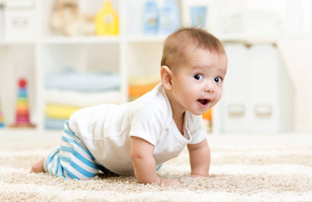 el movimiento libre del bebe
